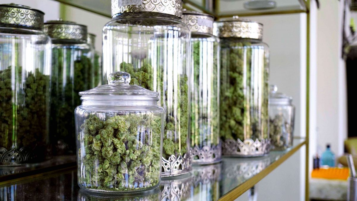 How High-End Dispensaries & Large-Scale Growers Drive Profits & Gain Competitive Advantages